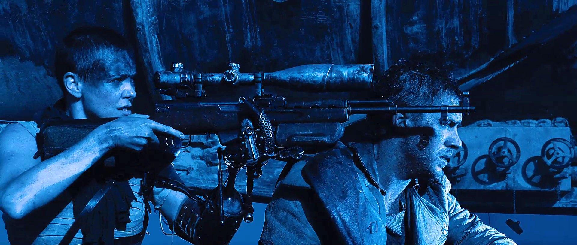 Charlize, Tom, Gun