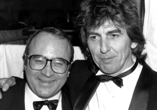 Bob Hoskins is small in stature.