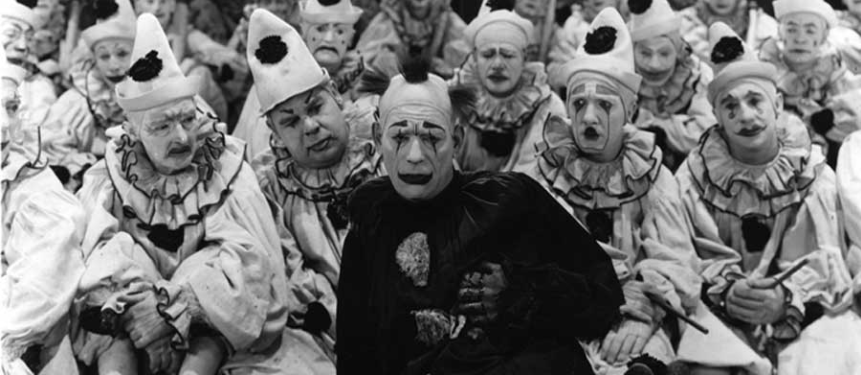 A mob of clowns is downright scary.